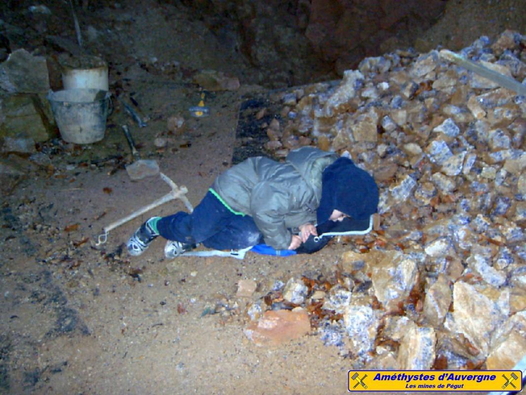 Dormir sur une montagne d'améthyste